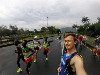 Adamův pozdrav z RIA - Kerteam a medailisté z maratonu